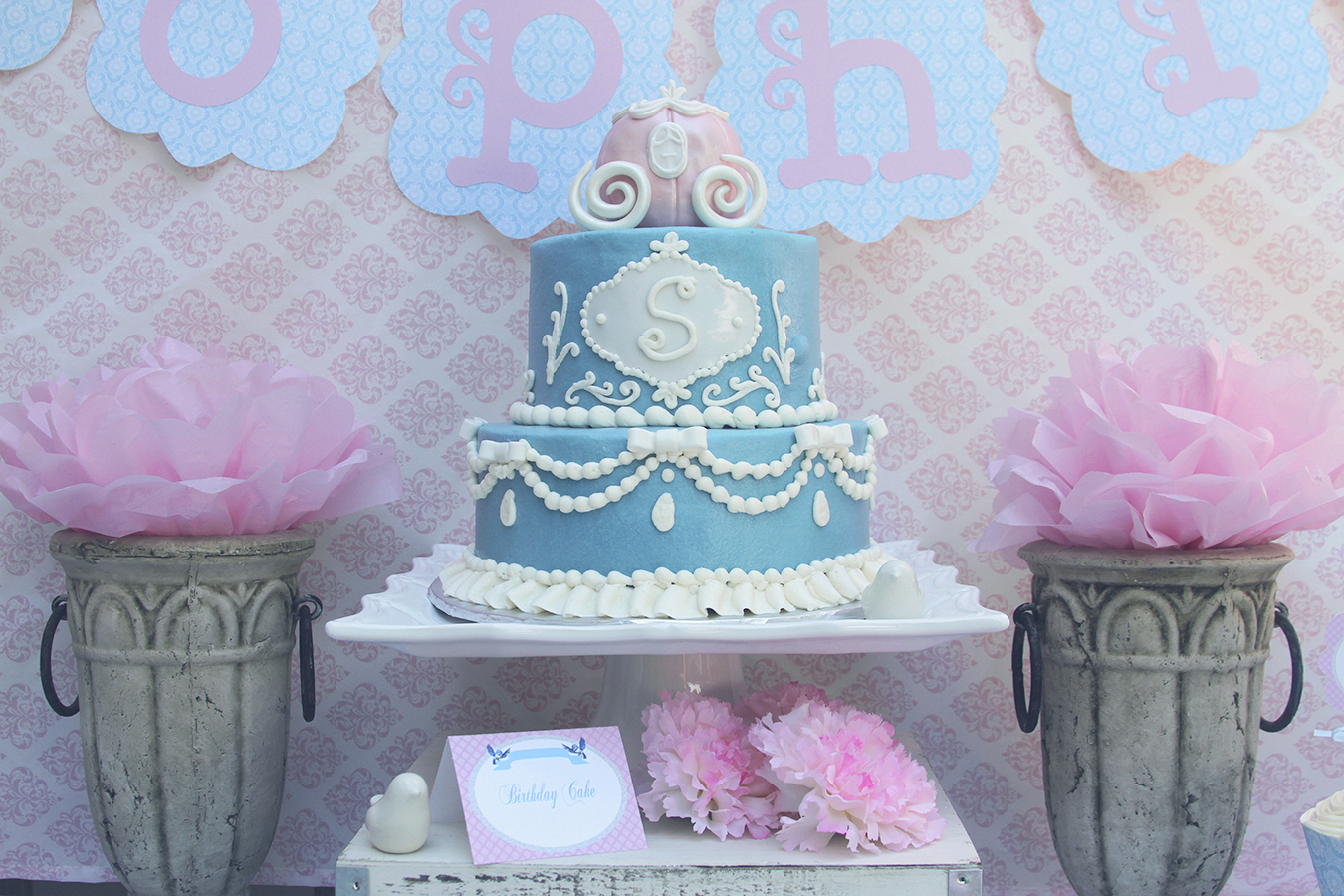 A 4th Birthday Fit For Princess This Cinderella Inspired Is The Perfect Royal Celebration We Created Adorable Fairy Tale Event Very