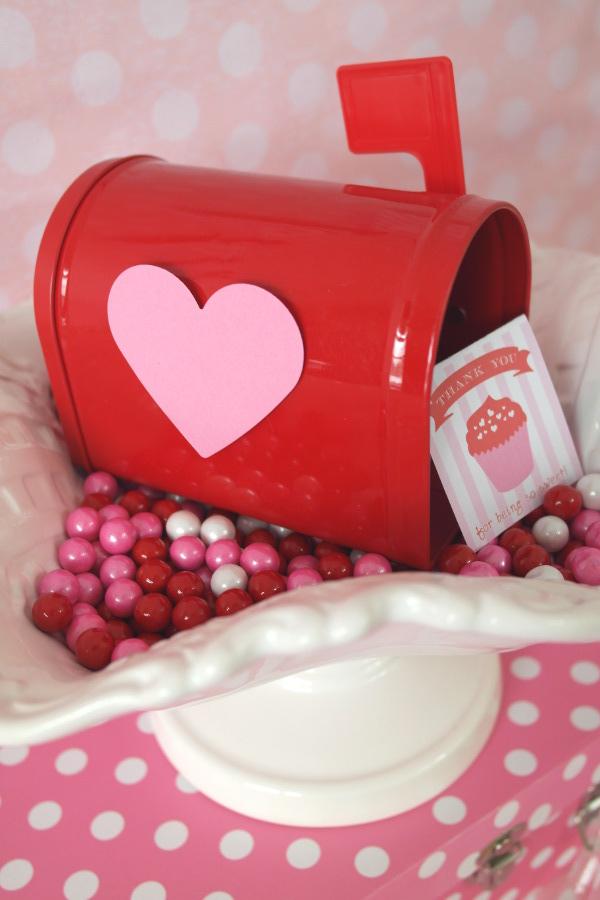Diy Valentines Day Mailbox