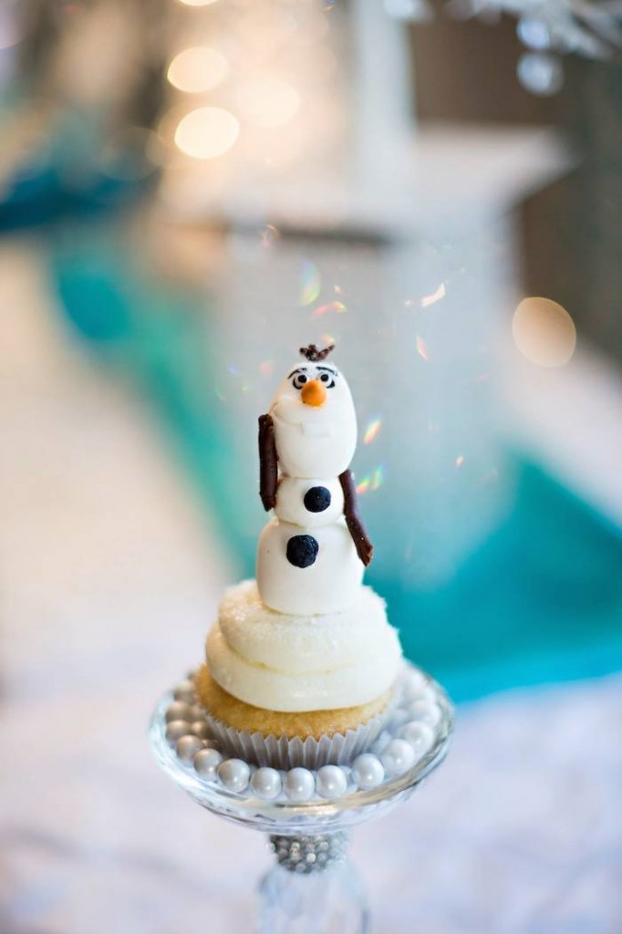 frozen party cupcake