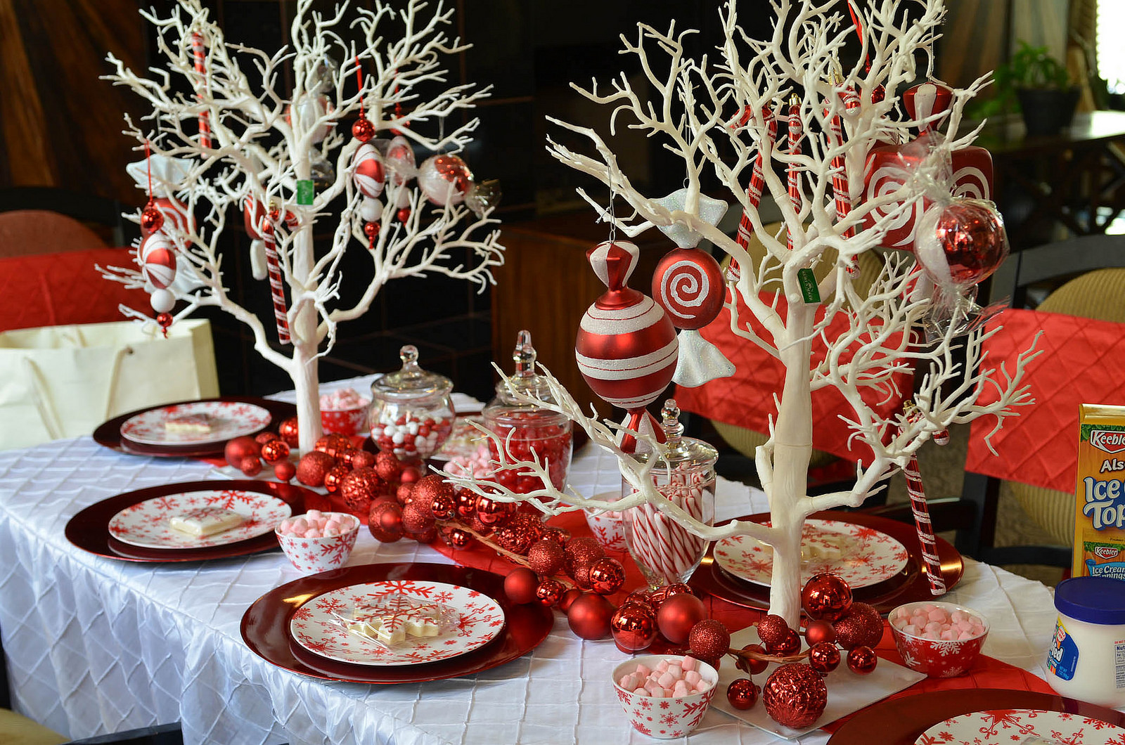 glittering red white christmas party - Christmas Party Decorations