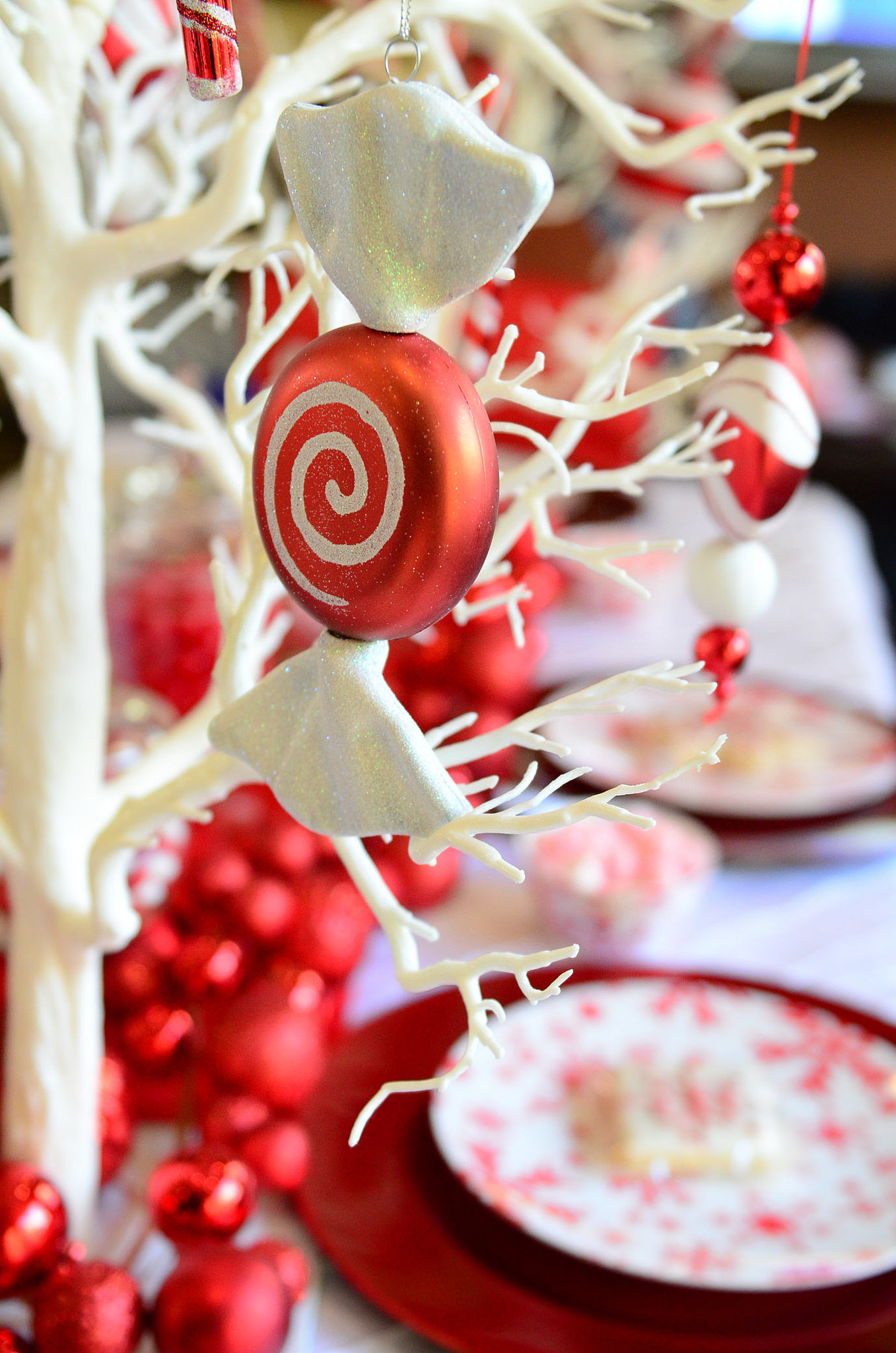 Red and white christmas decorations - Red And White Candy Christmas Tree Ornament