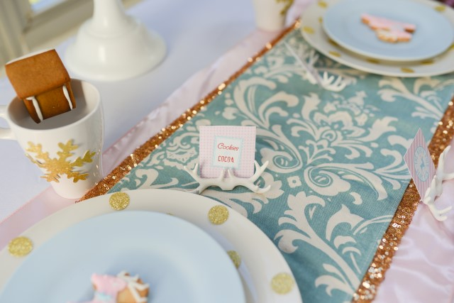 reindeer place card setting
