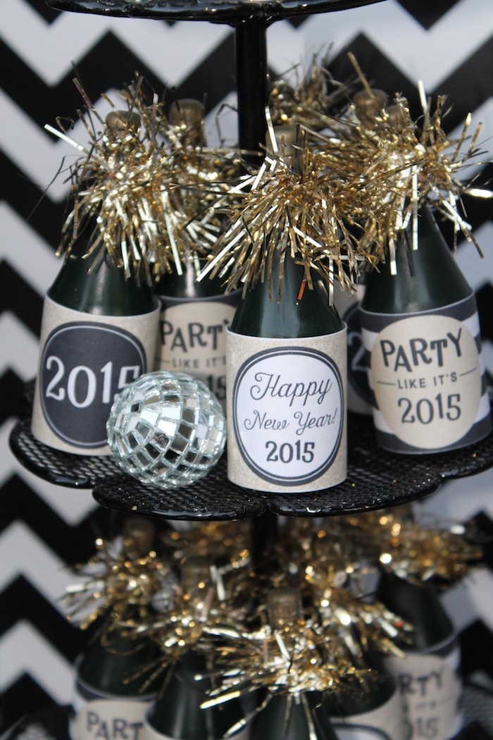 Sweetly Feature: Kid Friendly New Year\'s Eve Party!