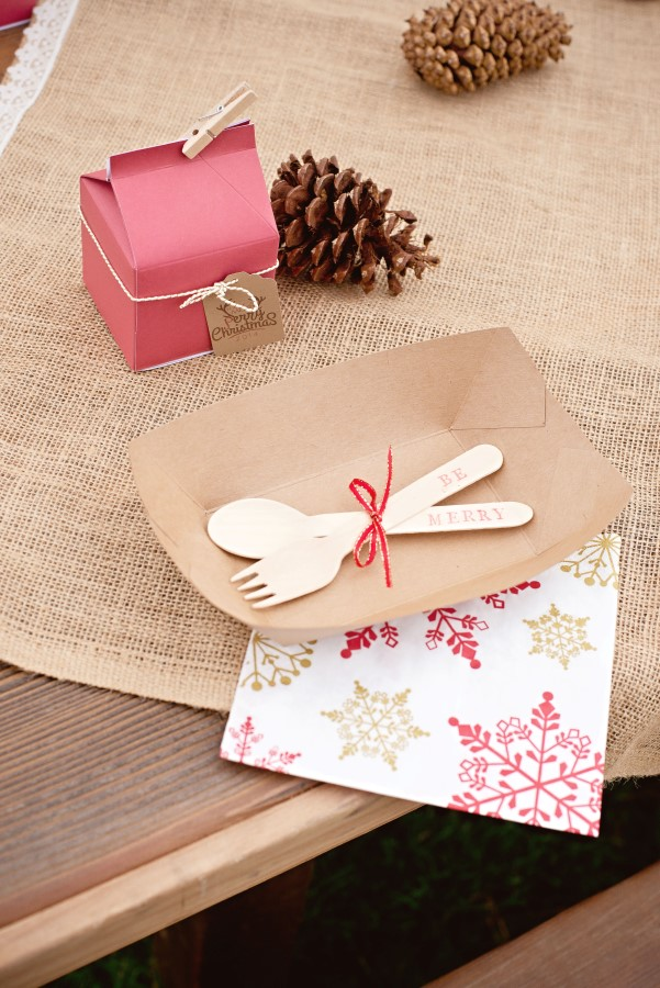 vintage glam christmas party place setting