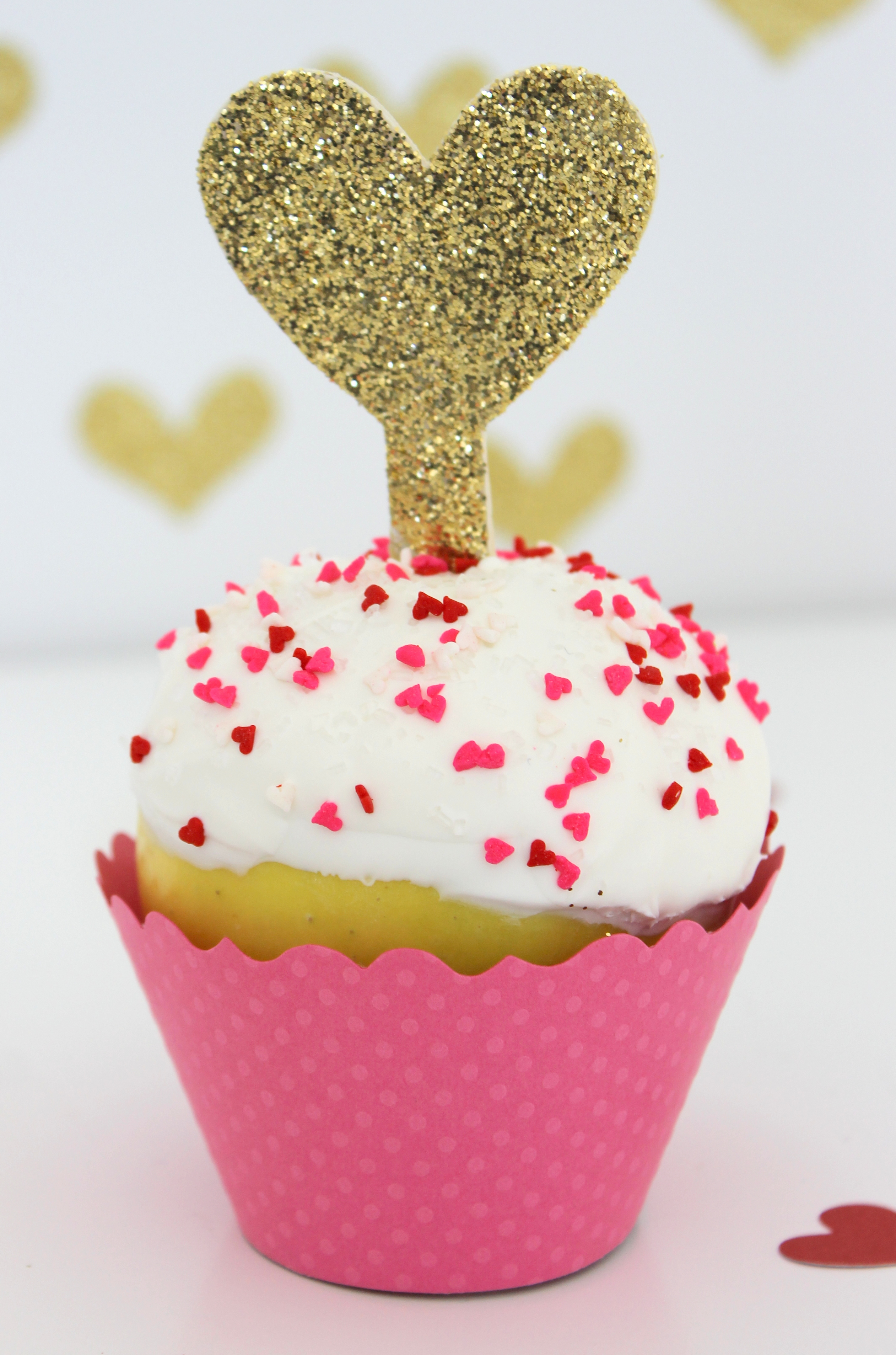 DIY Valentine's Day Apple in Cupcake Wrapper