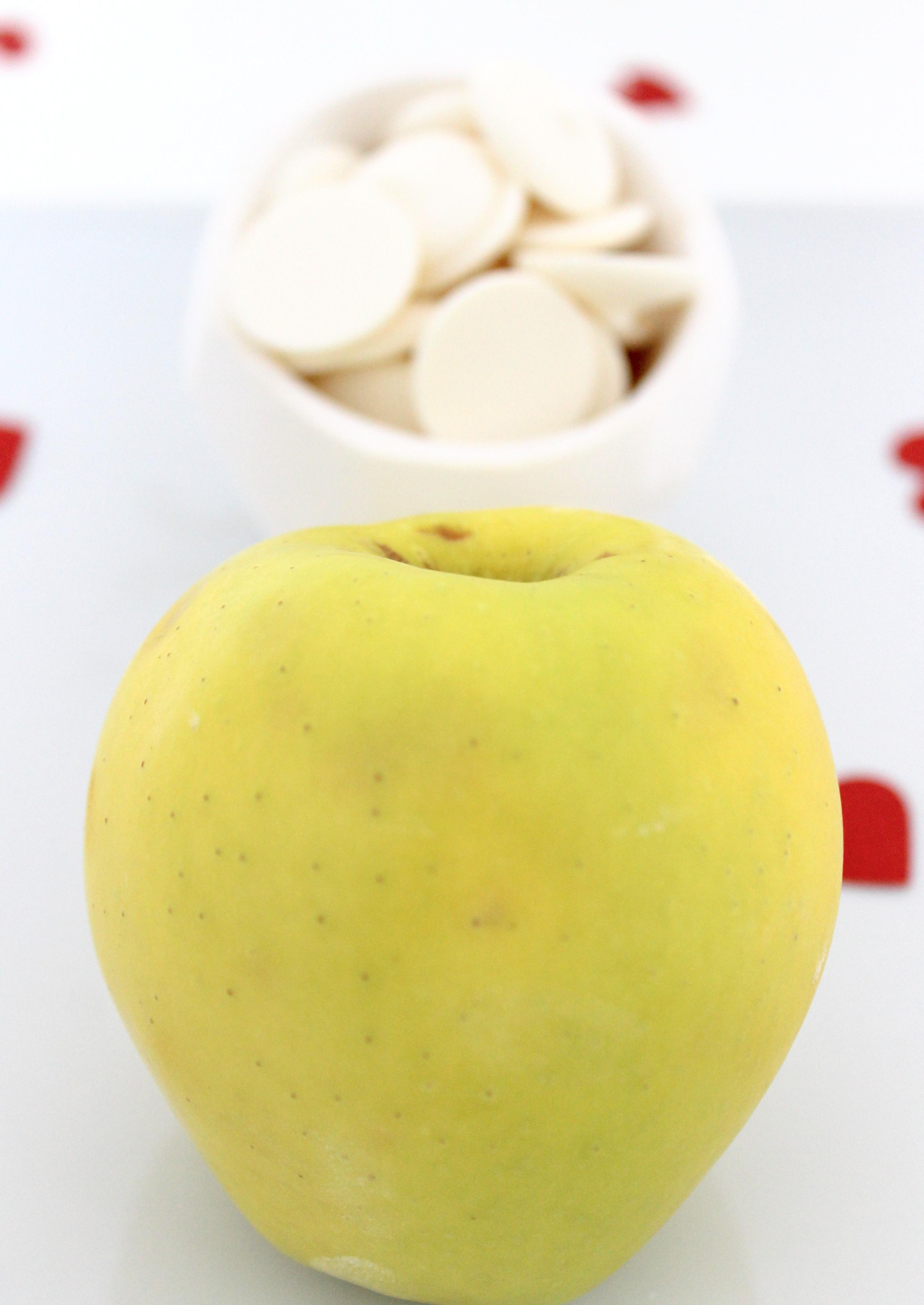 DIY Valentine's Day Apple with Chocolate