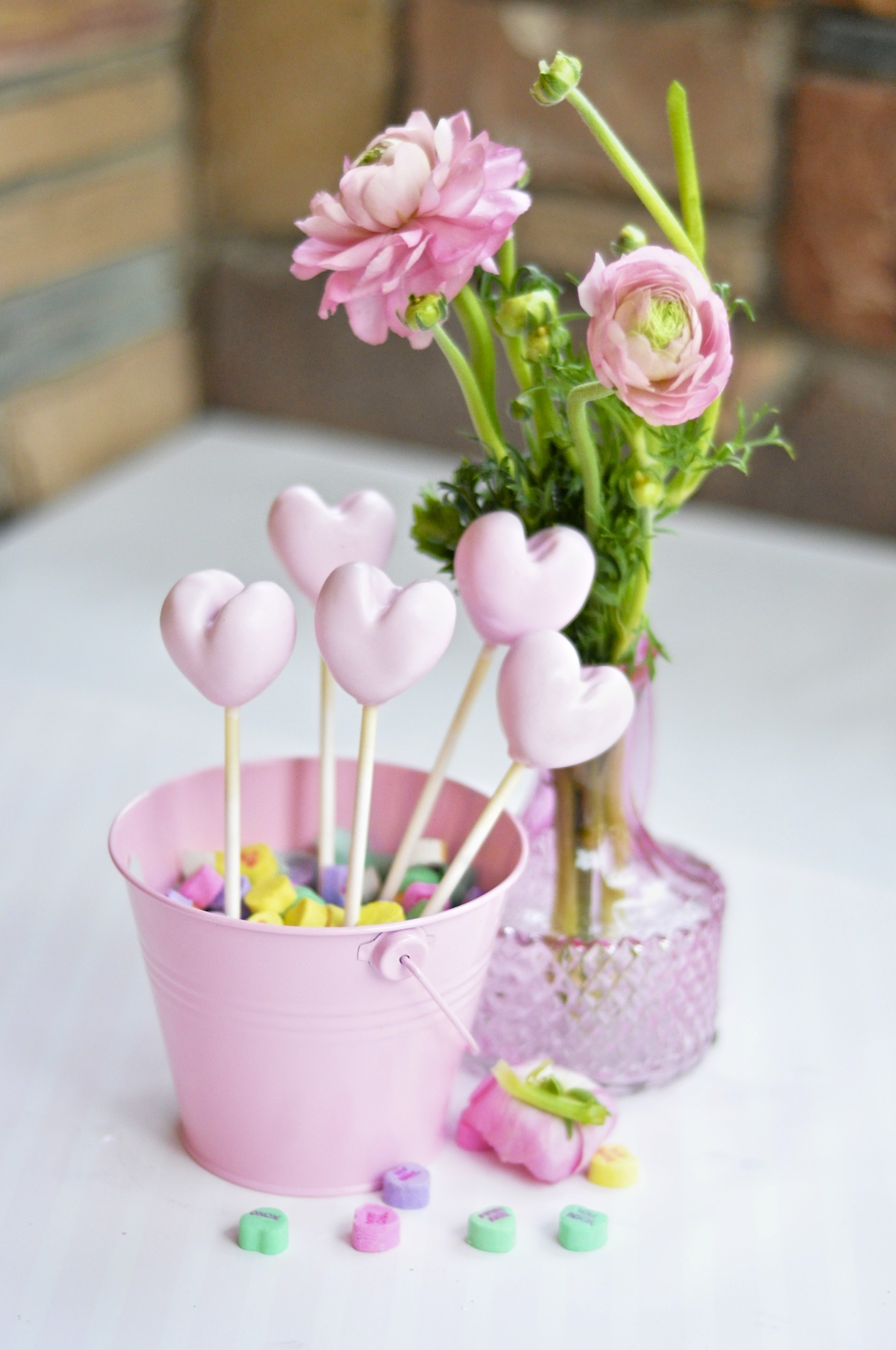 valentines day heart cake pops