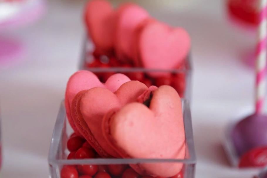 valentines day macaron cookies