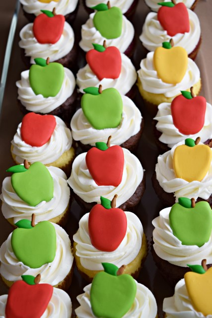 apple themed cupcakes