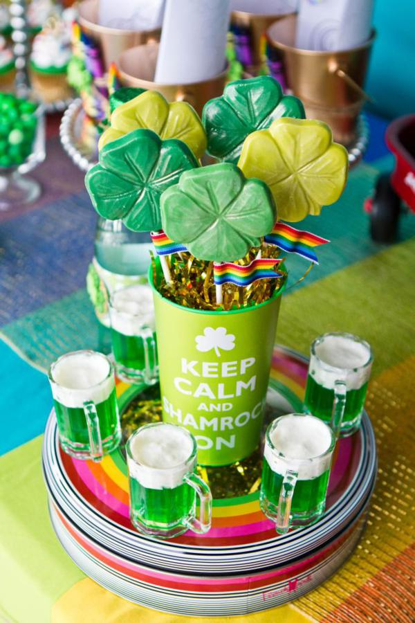 st patricks day chocolate shamrock lollipops
