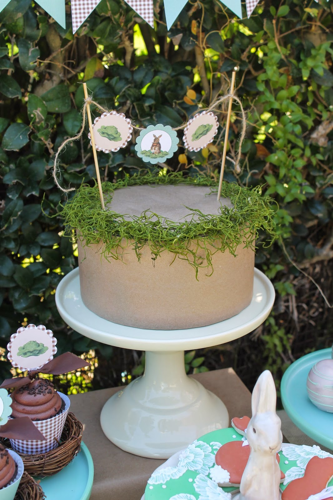vintage easter party cake