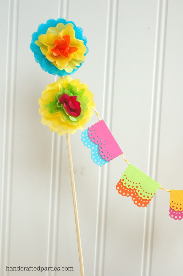 Papel-picado-garland_mini-tissue-flowers
