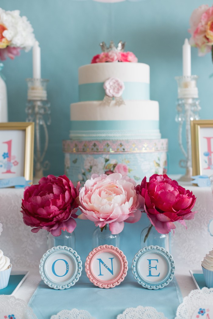 Sweetly Feature Silhouette Royal Princess Party