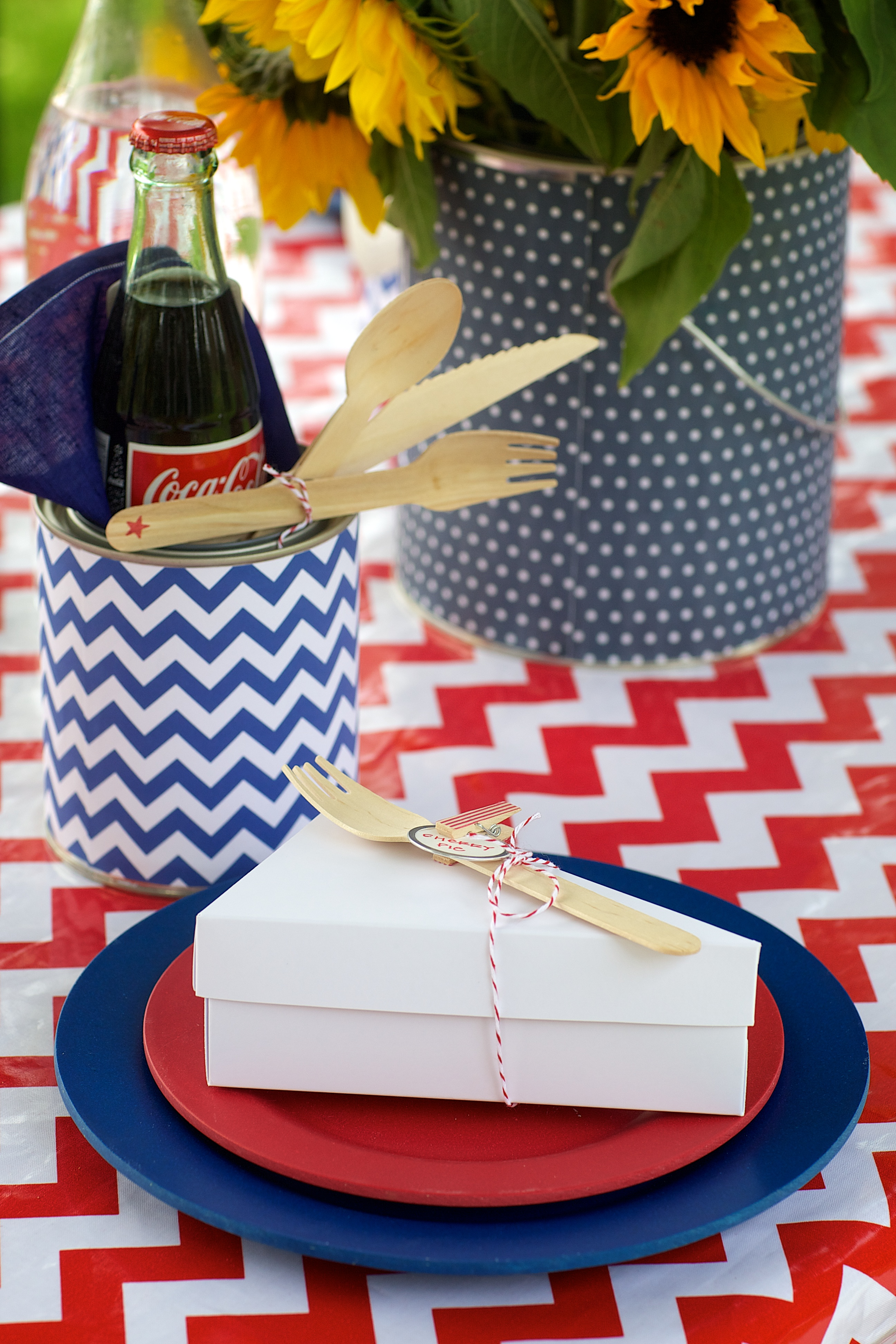 Entertaining Shoppe 4th of July Party Pie Favor box
