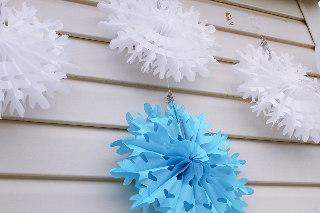 sweetly chic events & design frozen party paper snowflakes