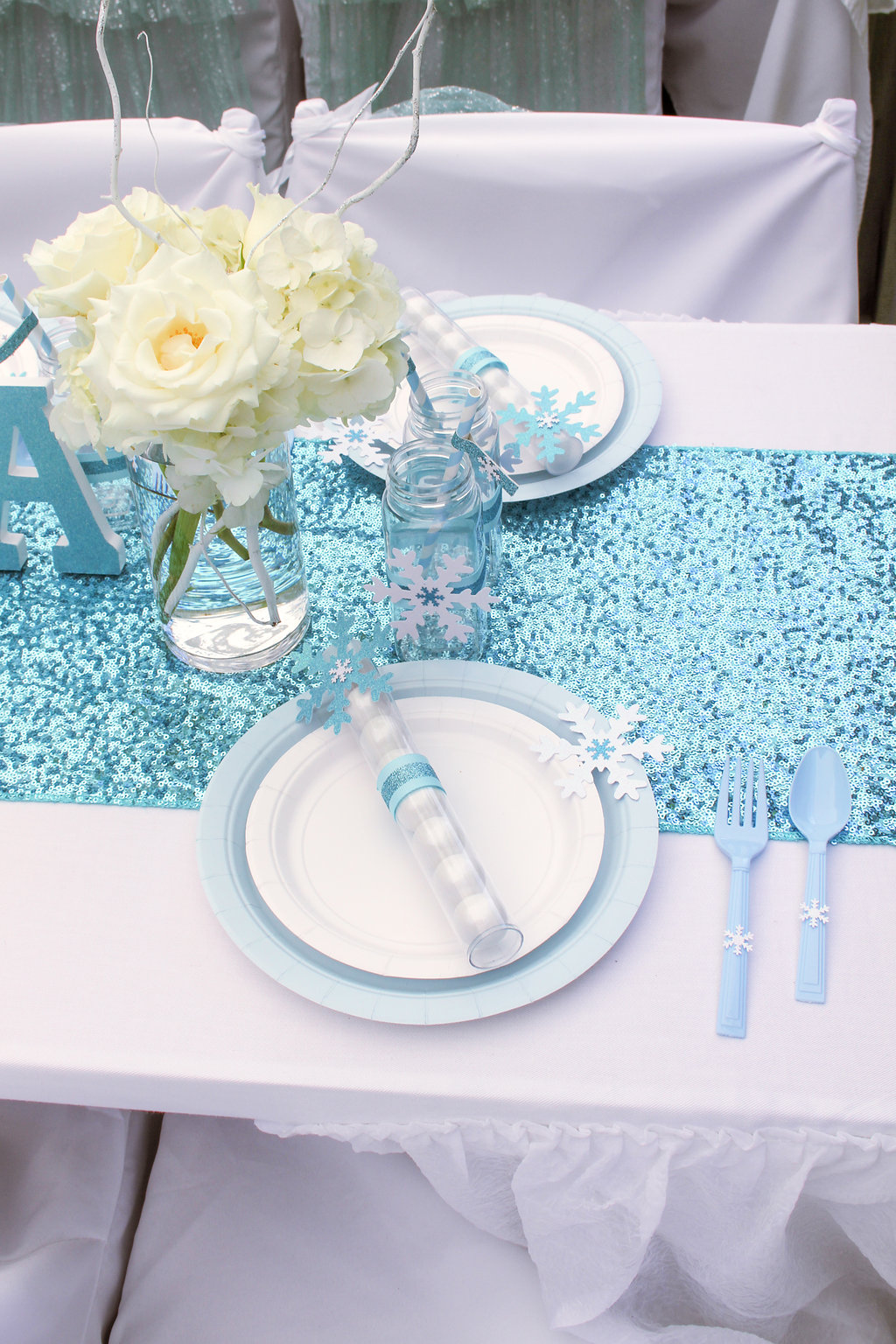 sweetly chic events & design frozen party place setting