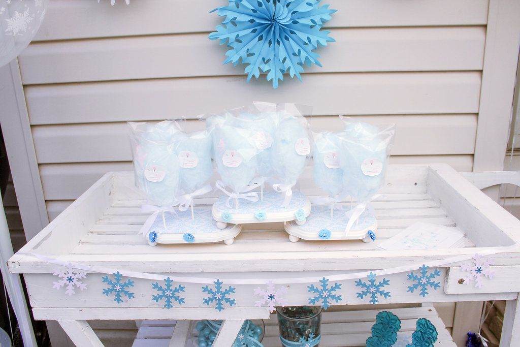 sweetly chic events & design frozen party cotton candy station