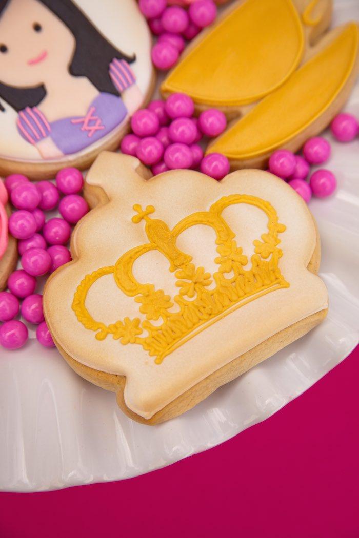 Princess Tea Party Picnic crown cookie