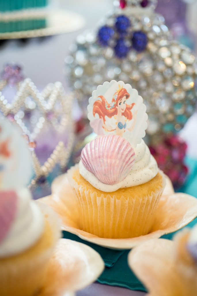The Little Mermaid Party cupcake in shell