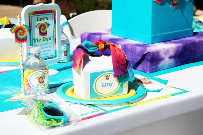 Tie Dye Party Place Setting
