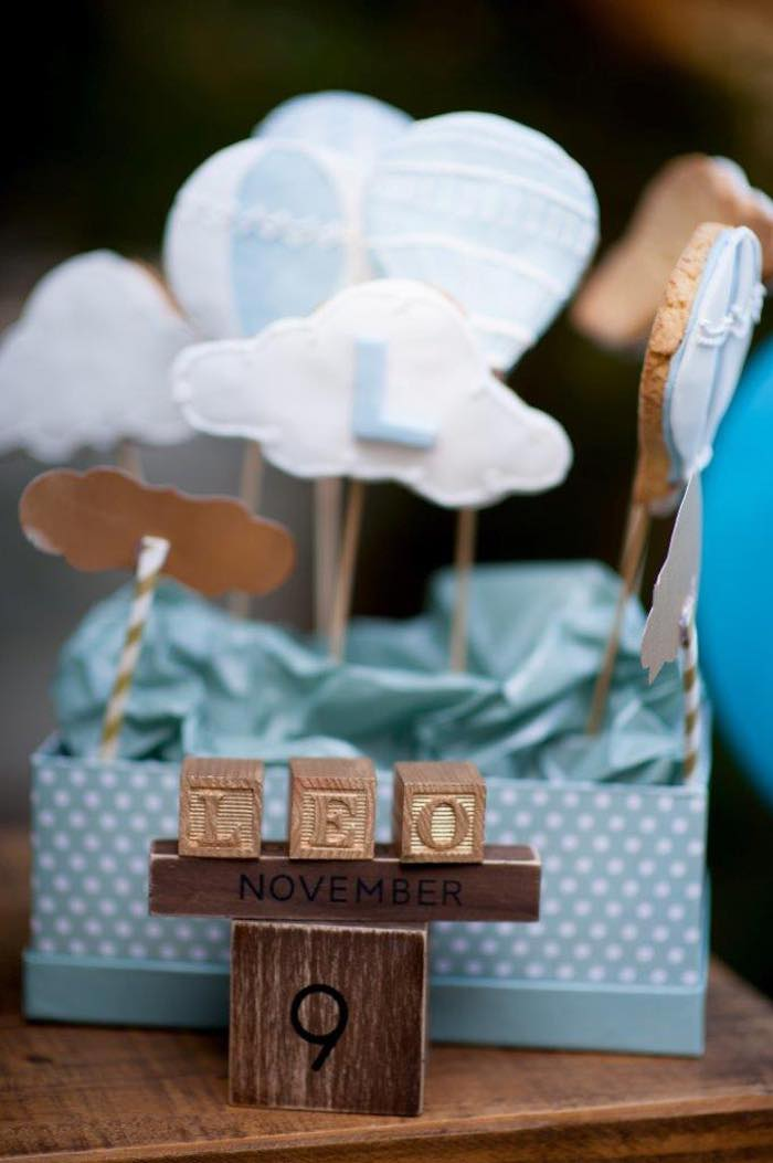 Vintage Up Up & Away Party Cookie Pops