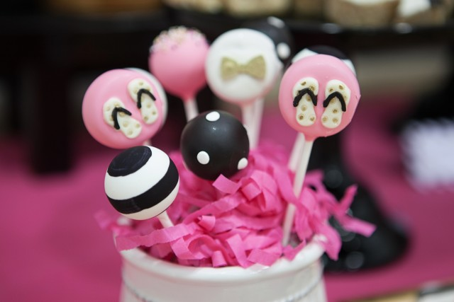 kate spade party cake pops