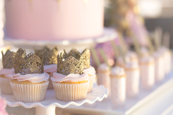 vintage glam first birthday party cupcakes with tiara topper