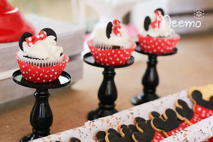 Minnie Mouse Birthday Party Cupcake Stands