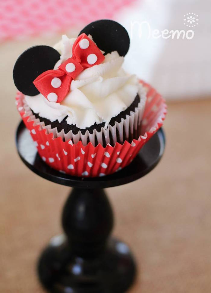 Minnie Mouse Birthday Party Cupcake