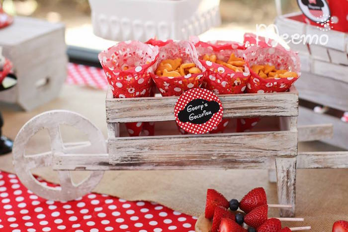 Minnie Mouse Birthday Party Snacks