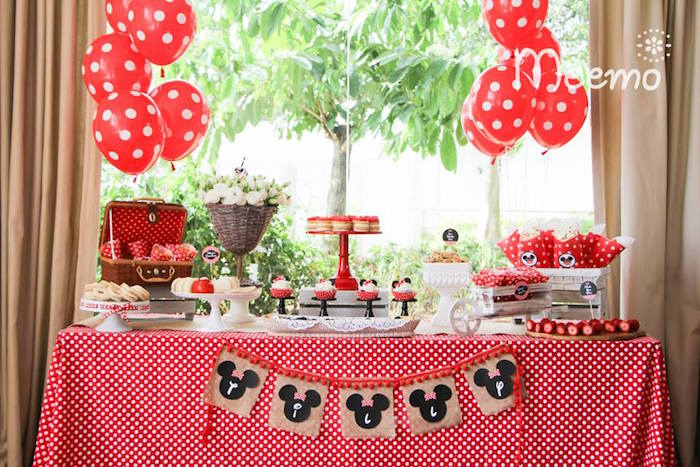 Minnie Mouse Birthday Party Sweets Table