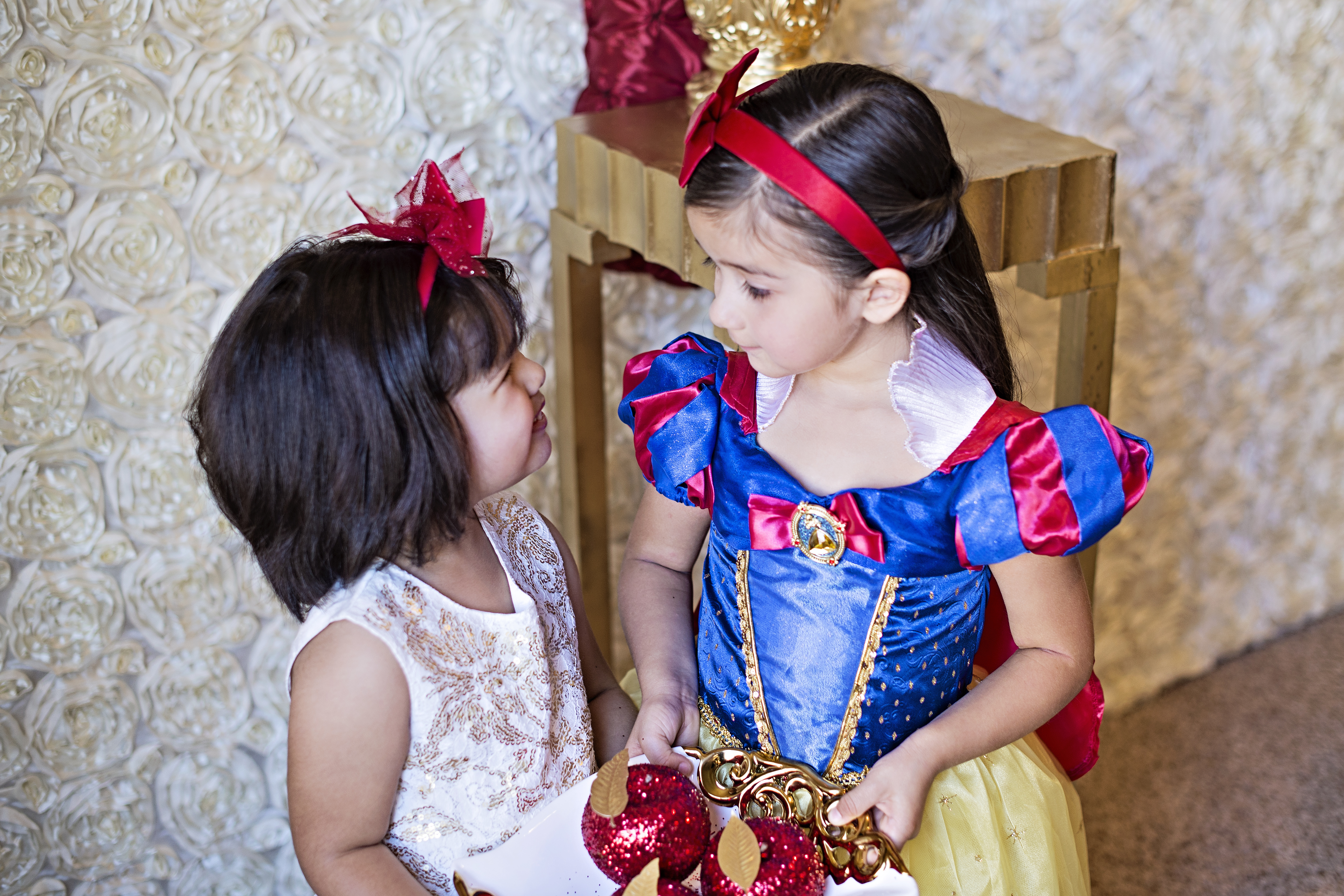 Snow White Party Guests