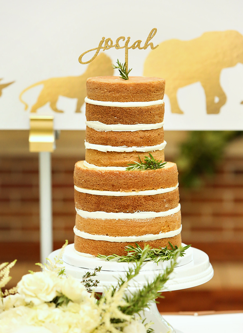 naked cake at a safari birthday party
