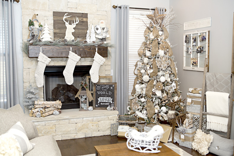 rustic and chic christmas decorating ideas - Chic Christmas Decorations