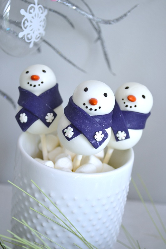 Winter Wonderland Party Cake Pops