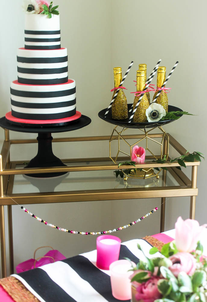 Hot-Pink-Black-White-Wedding-Tablescape-6041