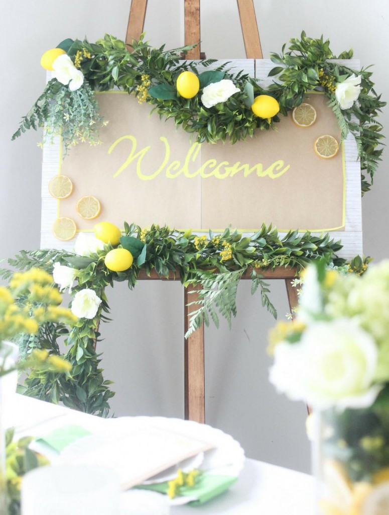 Lemon-Wedding-DIY-Welcome-Sign-on-Easel